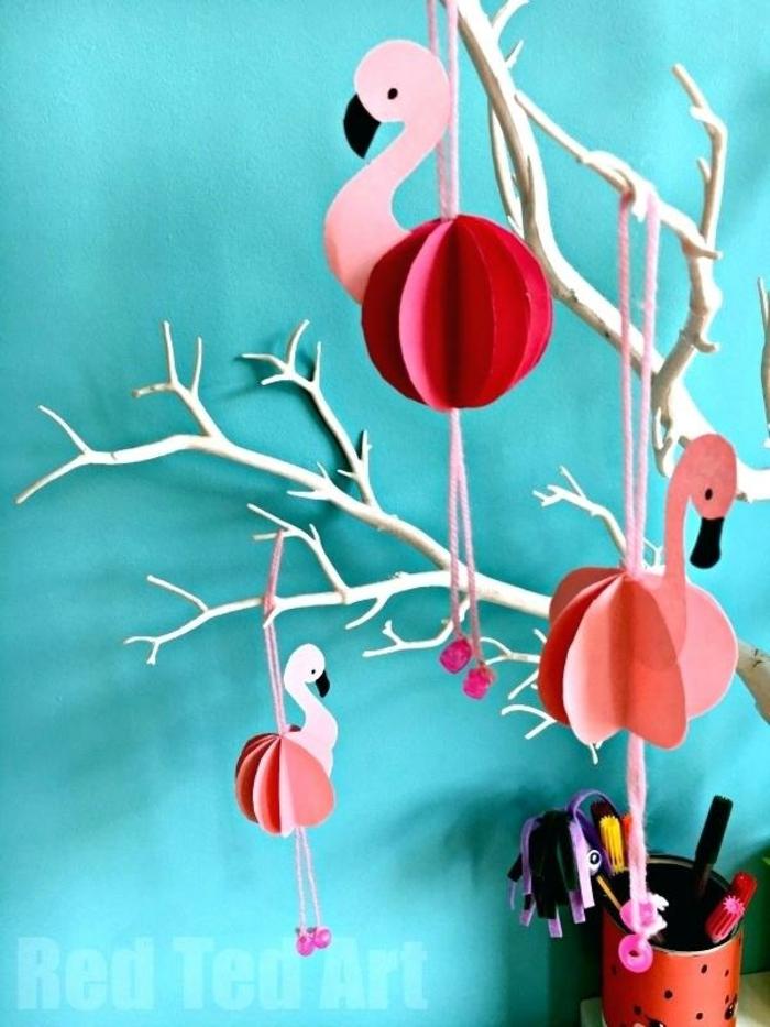 manualidades faciles para hacer en casa, decoración casera, adornos de papel con forma de flamencos