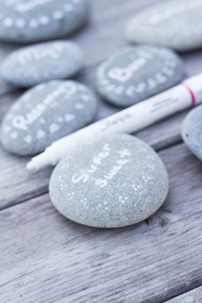 piedras pintadas para decorar la casa en verano, ideas originales para hacer trabajos manuales desde casa