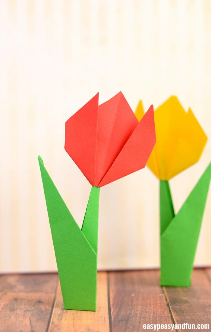 tulipanes hechos de papel fáciles de hacer, ideas de manualidades con papel fáciles y rápidas
