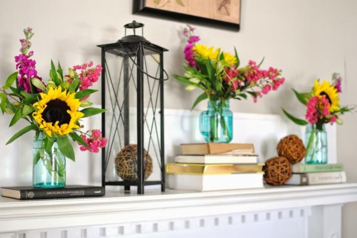 jarrones decorativos DIY hechos de frascos de vidrio decorados con girasoles, trabajos manuales desde casa