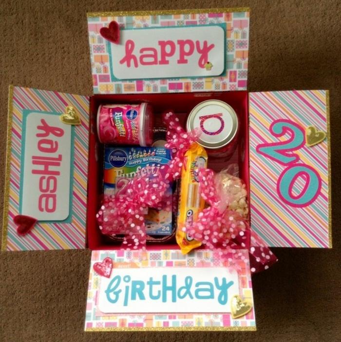 que regalar a una amiga por su cumpleaños, caja con dulces y caramelos para mi mejor amiga, 20 cumpleaños