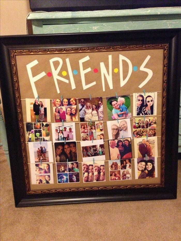regalos originales para amigas, marco con fotos de amigos y con anotación Friends de la serie de todos los tiempos