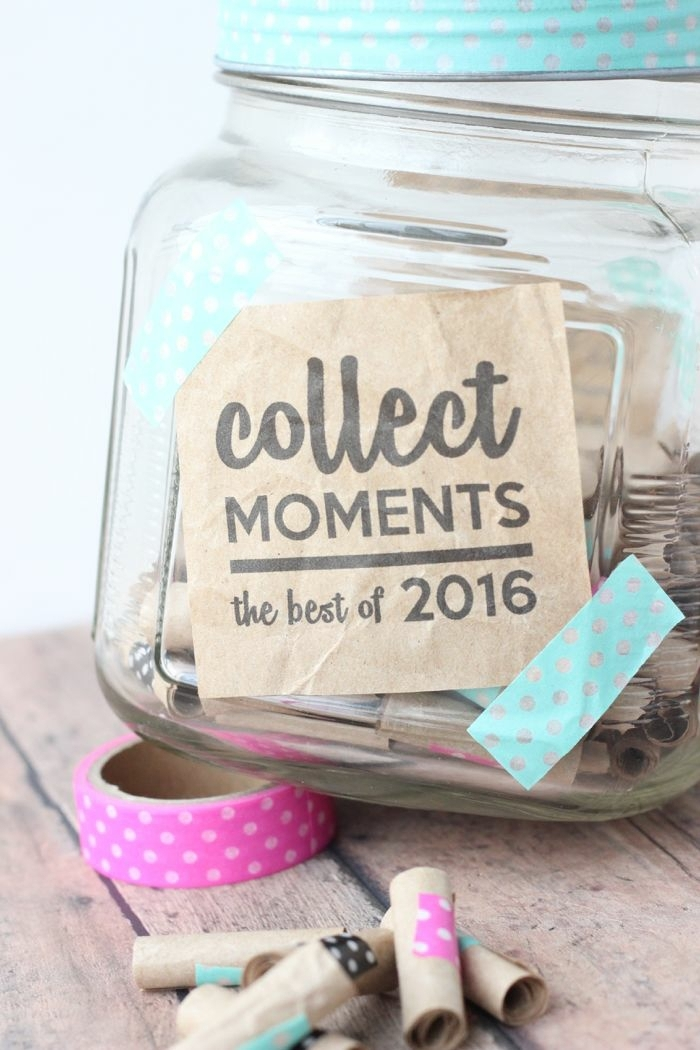 regalos originales para tu mejor amiga, bote con papeles con frases o recuerdos, colecciona momentos