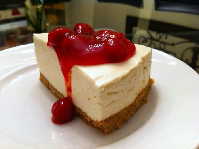 riquísimas propuestas de tartas en imágines, tarta de queso mascarpone con mermelada de frutos rojos