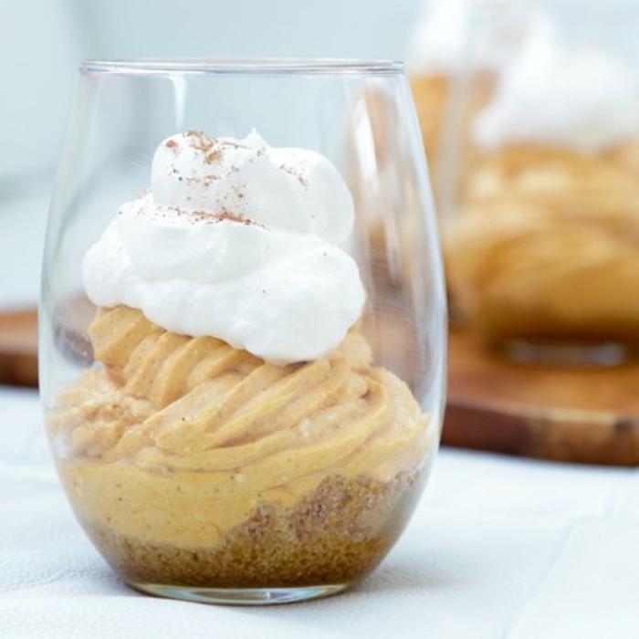 tarta de queso crema en taza con calabaza, tarta de queso mascarpone, recetas fáciles y rápidas