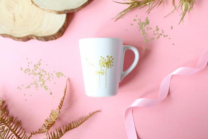 preciosas ideas de manualidades faciles para hacer en casa, taza decorada en dorado
