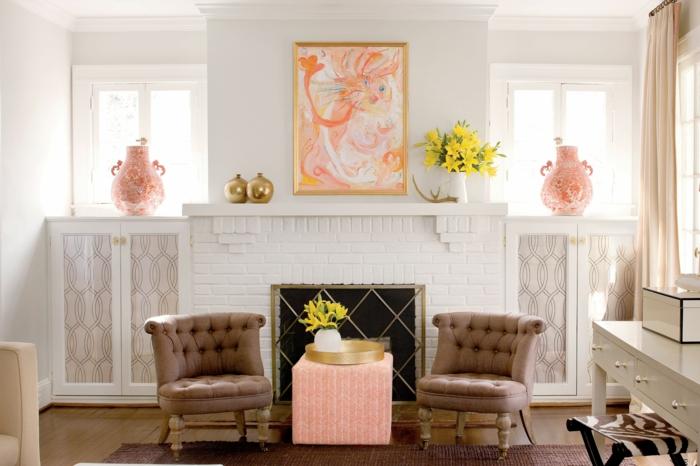 ideas con mucho encanto sobre como decorar una chimenea, salón decorado en colores pastel, decoración de flores