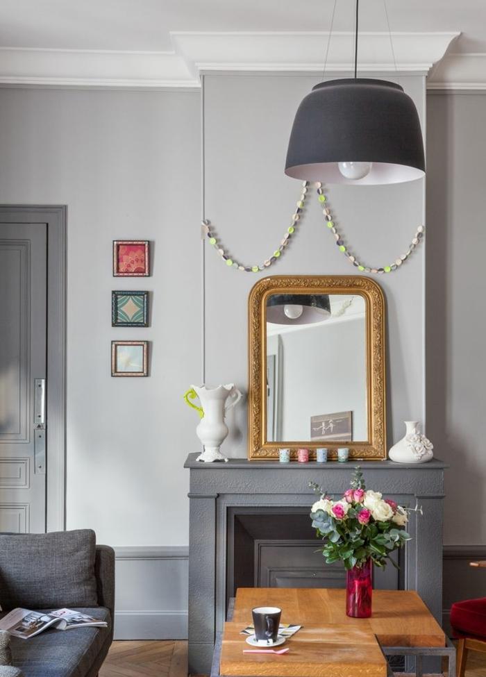 decoración de encanto en gris y dorado, como decorar una chimenea vintage, salones modernos