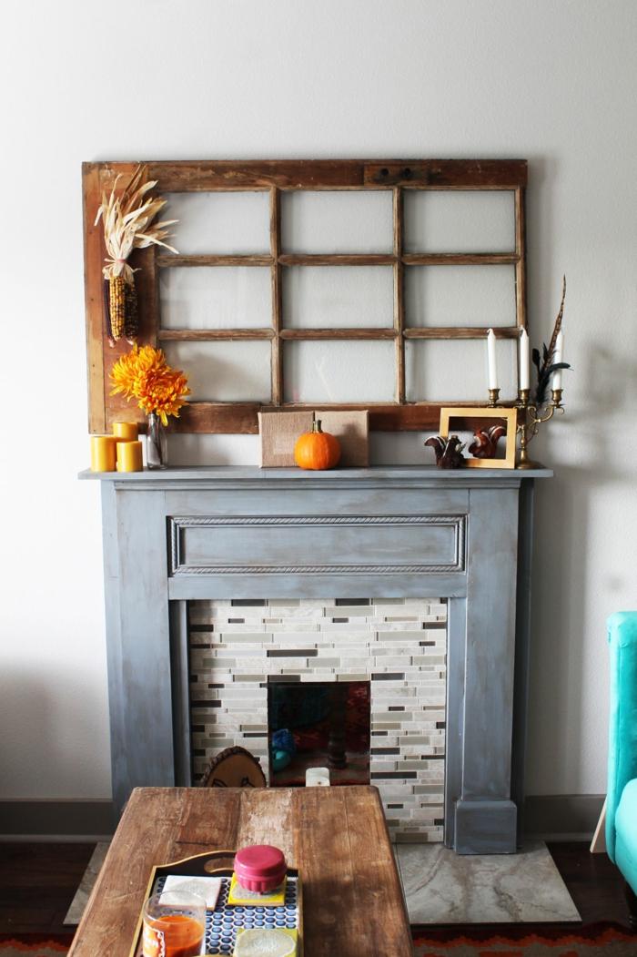 precioso salón en estilo rústico moderno con decoración DIY, cómo decorar una chimenea falsa