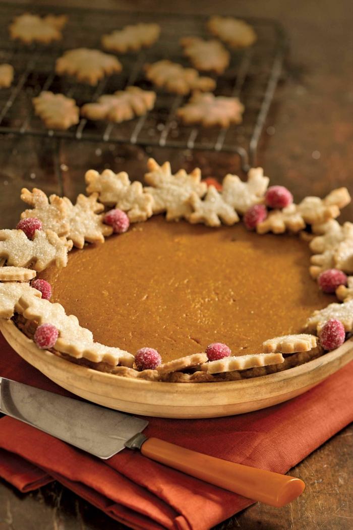 tarta de calabaza decorada de manera encantadora, bonitas recetas saladas y dulces con calabaza paso a paso