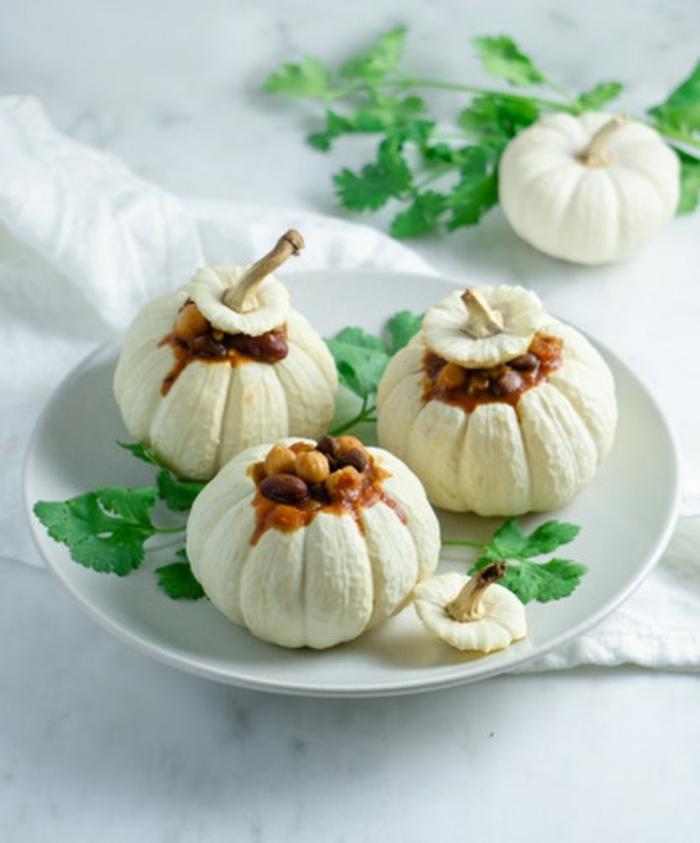 mini calabazas rellanas de cocido, recetas originales con calabaza, ideas de cenas creativas para sorprender a tus invitados