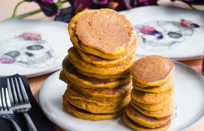 como hacer tortitas de calabaza paso a paso, mini crepes muy deliciosos hechos de calabaza