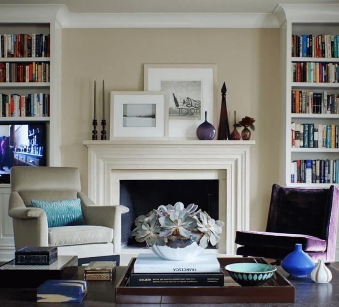 como decorar chimenea francesa, detalles decorativos con mucho estilo, muebles en beige y morado