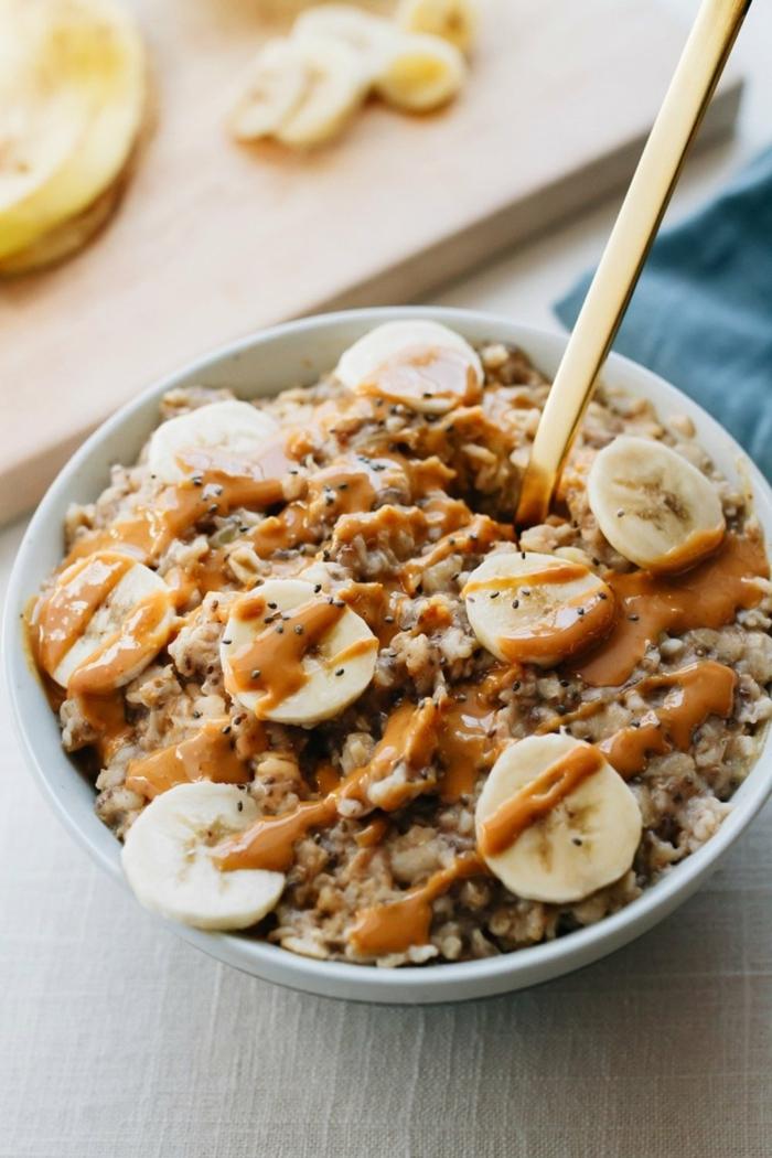 porridge de avena con platanos y caramelo, ideas de desayunos super ricos, nutritivos y saludables