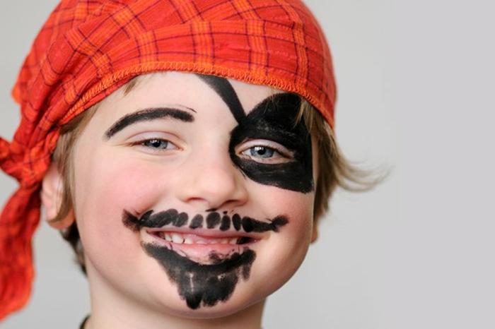 como pintar la cara de un niño para Halloween, maquillaje para halloween fácil, ideas de maquillaje infantil
