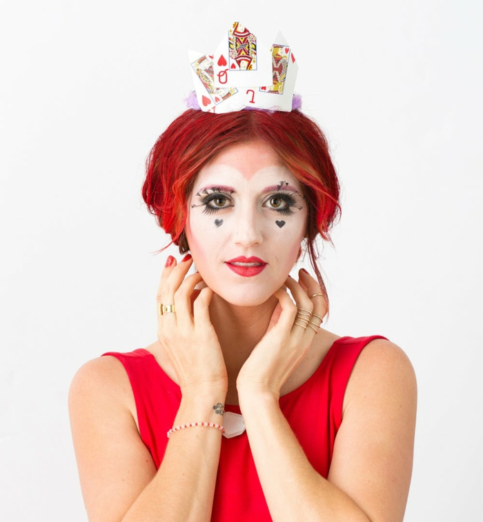 maquillaje bruja halloween, la bruja roja de Alicia, maquillaje sencillo para hacer en casa