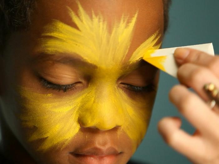 maquillaje halloween facil para niños y adultos, como pintar la cara de león paso a paso, ideas de maquillaje fáciles y rápidas