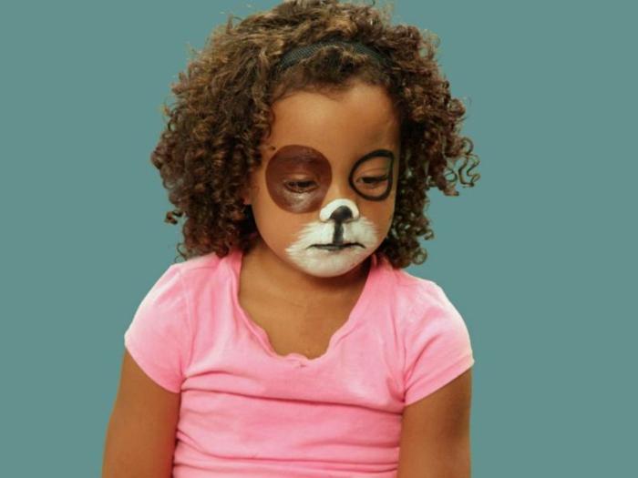 cara pintada de gato o perro, ideas de maquillaje infantil para Halloween con tutoriales paso a paso