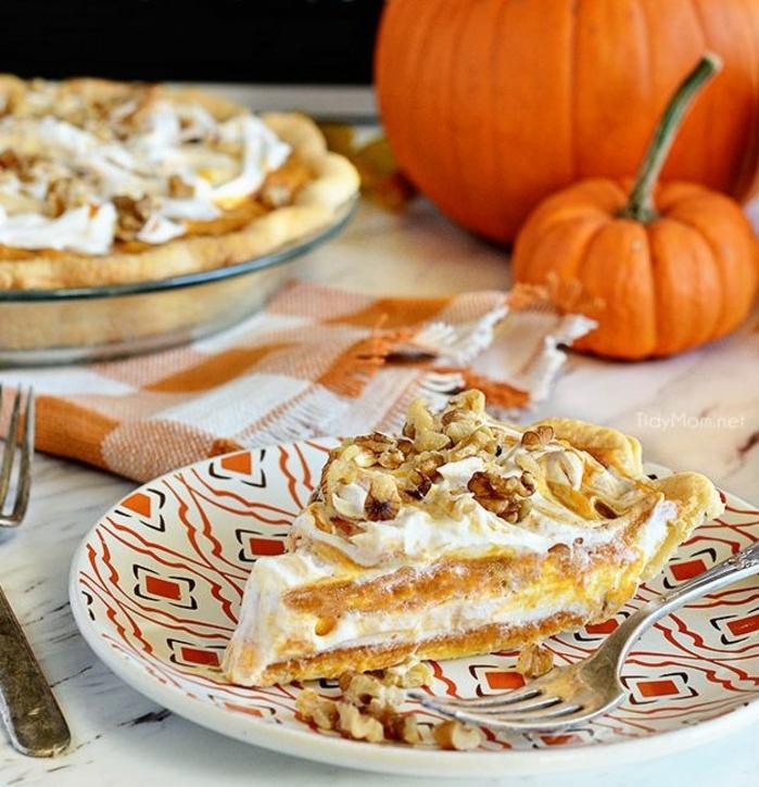 tarta de calabaza y nueces con crema mascarpone, preciosas ideas de comidas y postres para hacer en otoño
