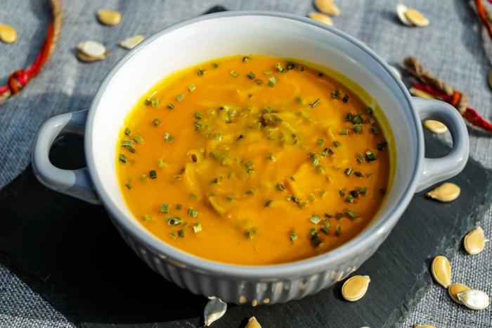 sopa crema de calabaza con cebollín, recetas faciles y rapidas, como hacer pure de calabaza paso a paso