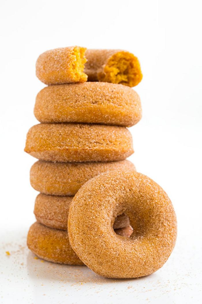 tortitas de calabaza super ricas, postres originales y fáciles de hacer, rosquillas sabrosas hechas con calabaza