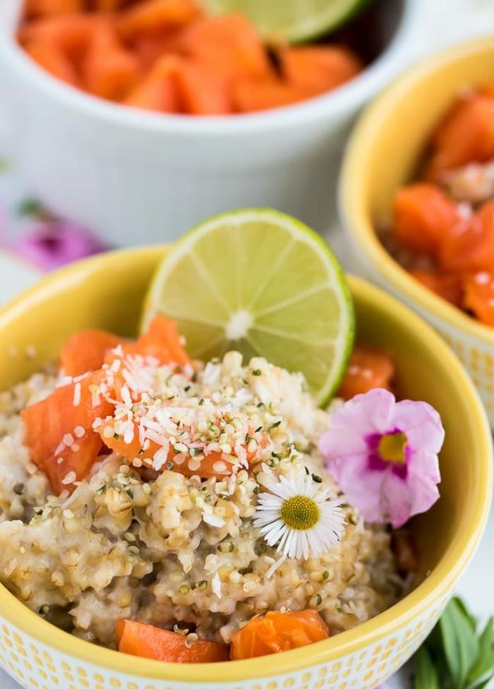 ideas de copos de avena con leche, desayunos nutritivos y saludables, avenas con mango y coco