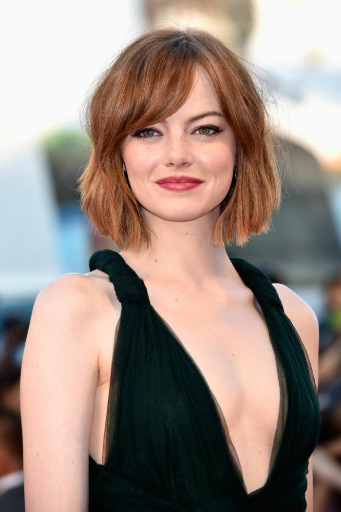 corte de pelo corto con flequillo, bonitos ejemplos sobre que cortes de pelo favorecen a las caras redondas