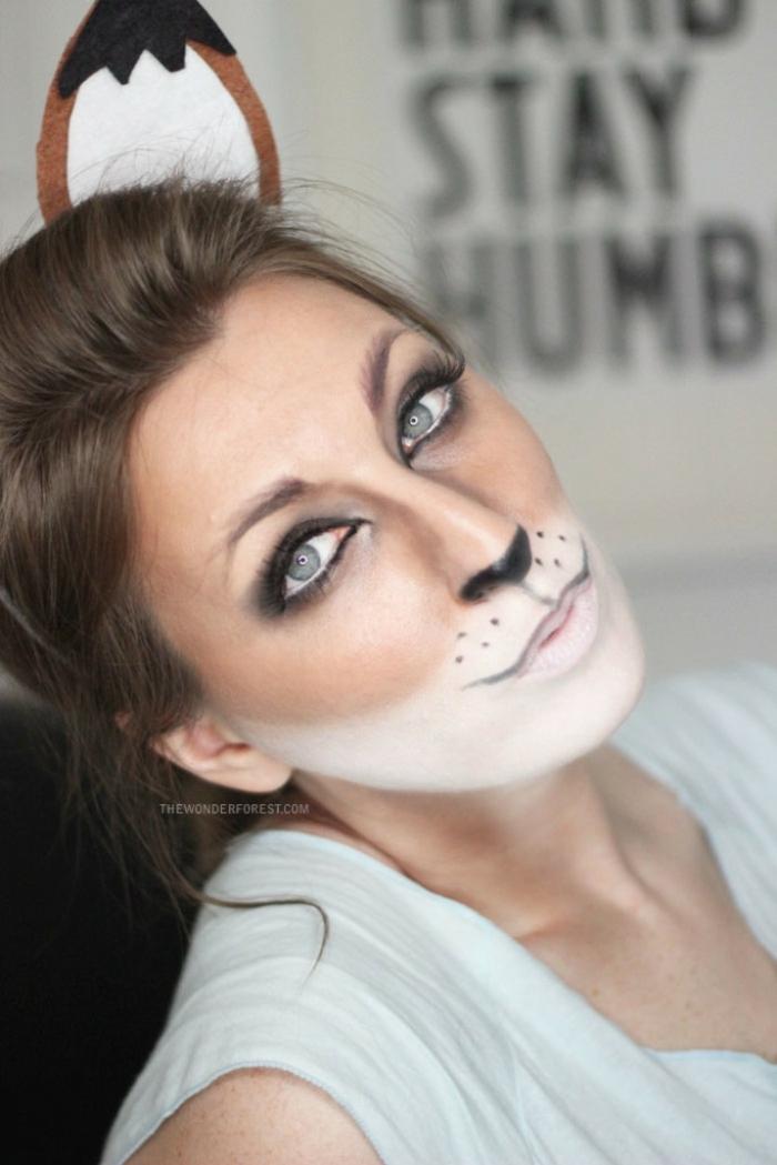 ideas originales y fáciles de pintacaras halloween, cara pintada de cierva, tutoriales de disfraces y maquillaje