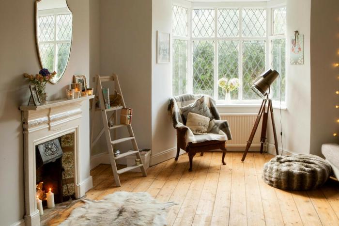 preciosas imágines de salones rusticos con chimenea, salón decorado en beige con suelo de parquet