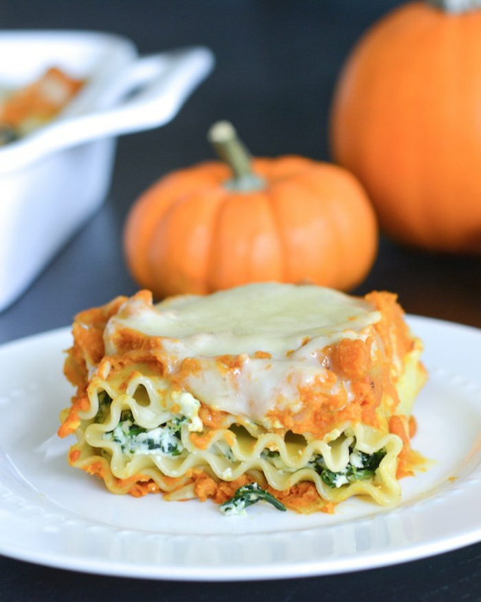lasagna con espinacas, queso y pure de calabaza, recetas saladas super ricas con calabaza paso a paso