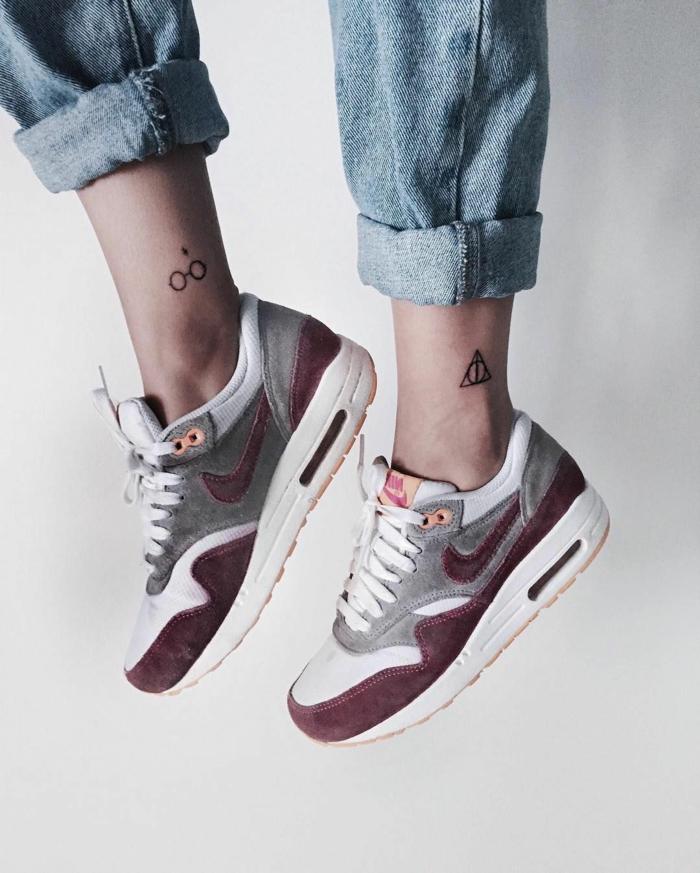 ideas de tatuajes pequeños con significado, ideas de tatuajes para los fans de Harry Potter