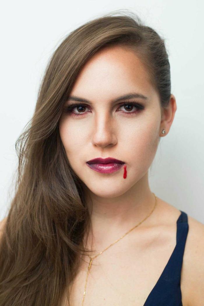 maquillaje Halloween vampiresa, ideas originales de pintacaras halloween, maquillaje para hacer en casa