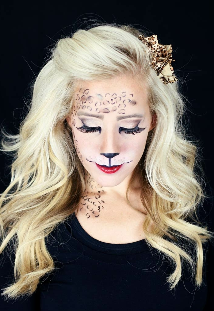 maquillaje halloween facil para mujeres, cara de tigre, preciosa idea, maquillaje sencillo con largas pestañas falsas