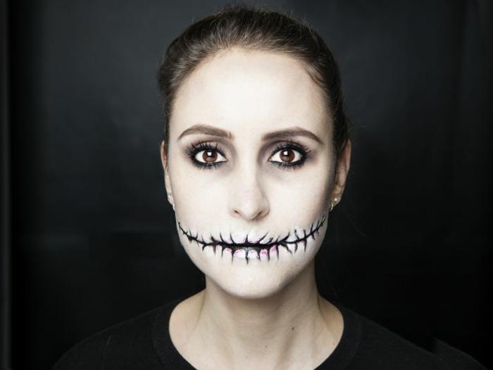 maquillaje halloween facil, como pintarse la cara para las fiestas de halloween, maquillaje de zombie super fácil