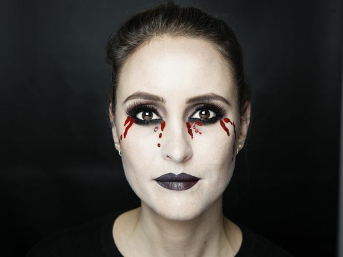 maquillaje bruja niña, ideas originales de maquillaje de Halloween fácil para hacer en casa