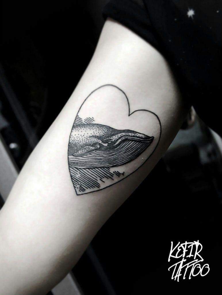 tatuaje corazon simbólico en el antebrazo, ideas de tatuajes originales, diseños bonitos para hombres y mujeres