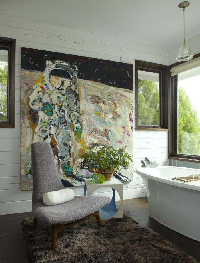 cuarto de baño decorado en estilo contemporaneo con grande pintura en la pared y muebles de diseño, ideas de cuartos de baño de diseño