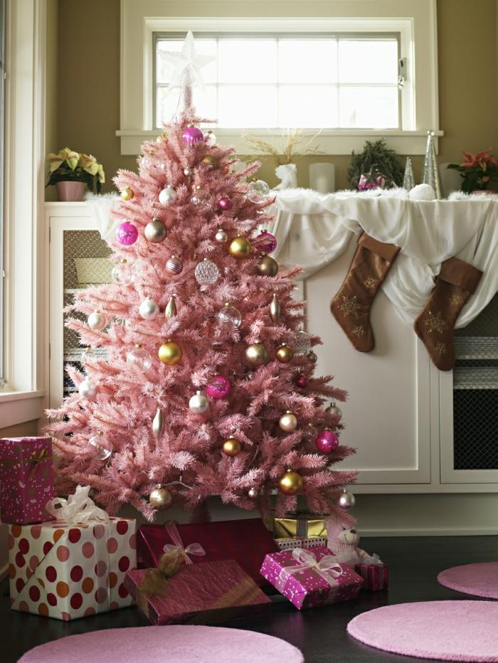 preciosas propuestas de decoración navideña, árbol de navidad artificial en rosado, arboles de navidad originales