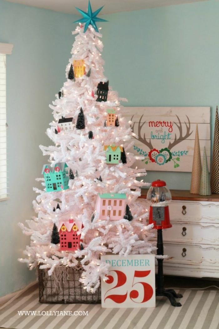 ideas de árboles de navidad originales, decoración DIY, adornos navideños hechos de materiales reciclados, elementos decorativos de cartón