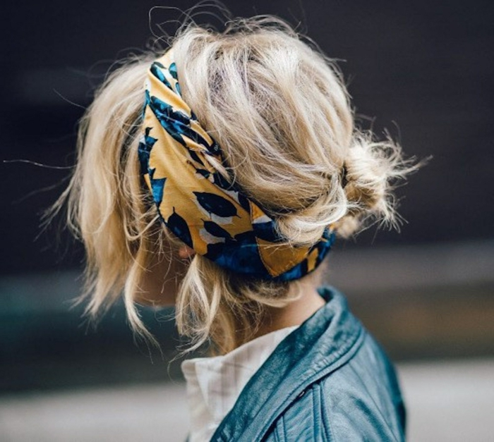 pañuelos en la cabeza modernos, pañuelo de algodón en amarillo y azul, accesorios decorativos modernos