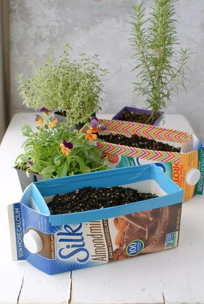 bonitas ideas de manualidades con cajas de cartón, ingeniosas ideas sobre cómo reutilizar las cajas de leche