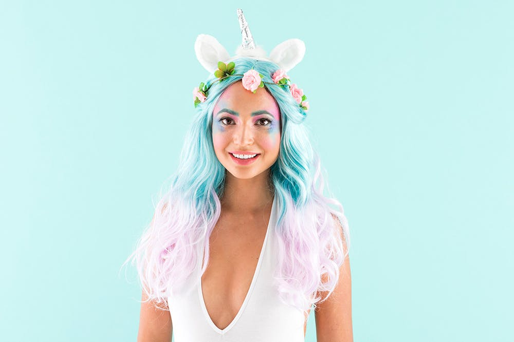 ideas originales sobre disfraces halloween para mujeres, disfraz unicornio con tutorial paso a paso