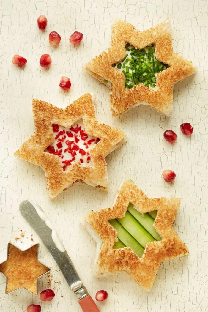 ideas de aperitivos faciles para la cena de Nochevieja, tostadas en forma de estrellas, ideas fáciles y originales