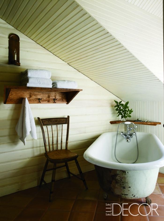 reformar baño en la buhardilla, cuarto de baño pequeño decorado en estilo rústico, detalles de madera