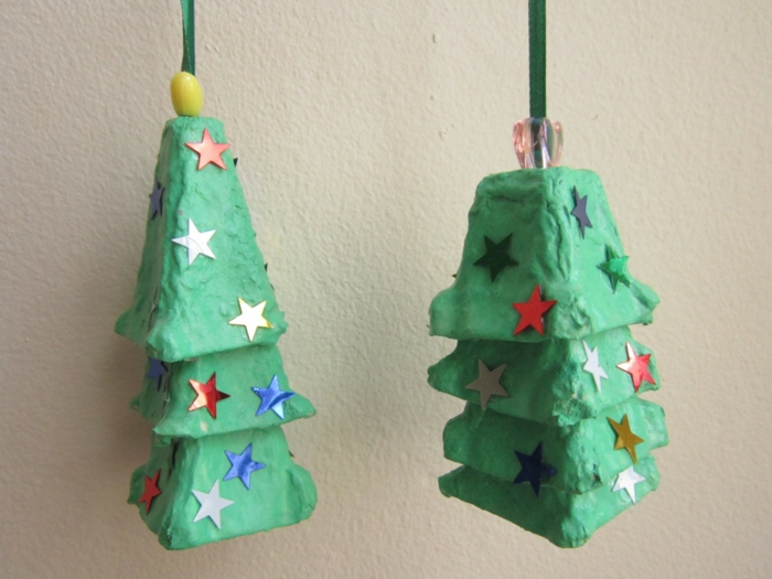 adornos navideños DIY hechos de bandejas de huevos de cartón, propuestas de manualidades con hueveras