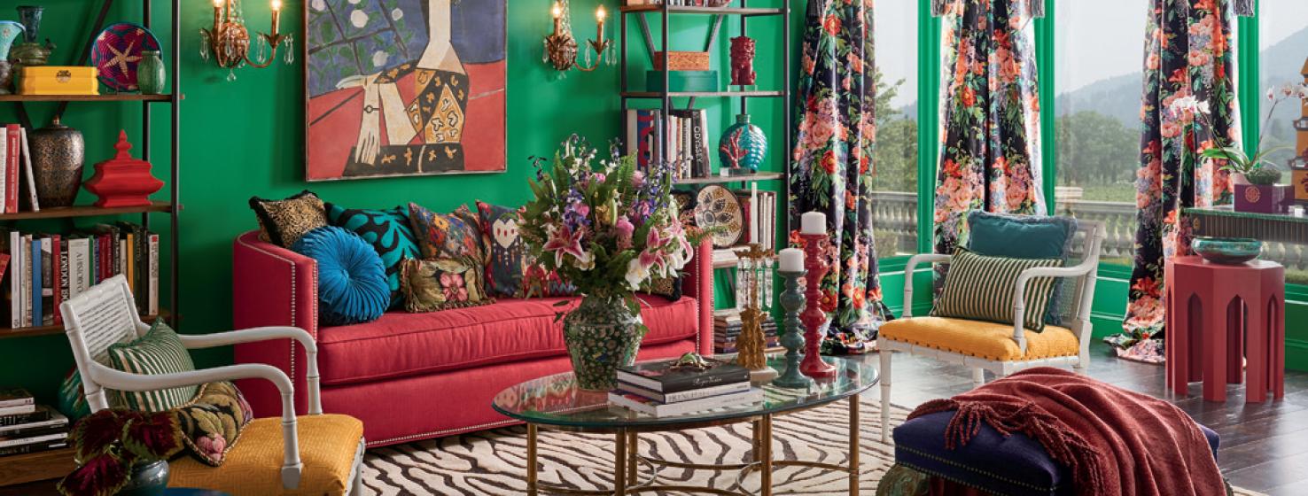 salón decorado en estilo ecléctico, preciosa combinación de colores, paredes verdes, qué colores se llevan para pintar un salón