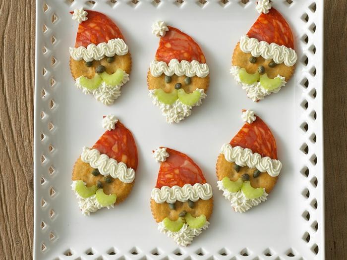 aperitivos faciles, rápidos y ricos para hacer en navidad, galletas saladas decoradas como Papa Noel
