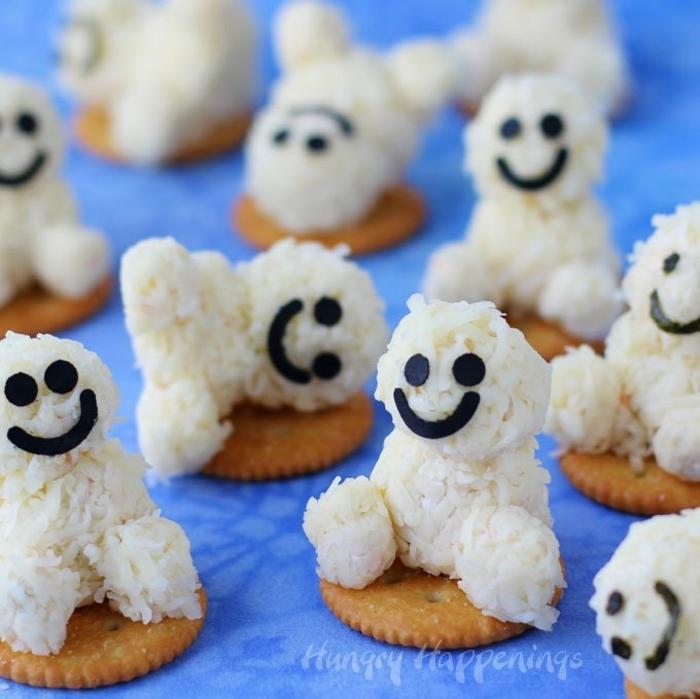 propuestas de aperitivos sencillos y originales, muñecos de arroz blanco cocido, galletas saladas