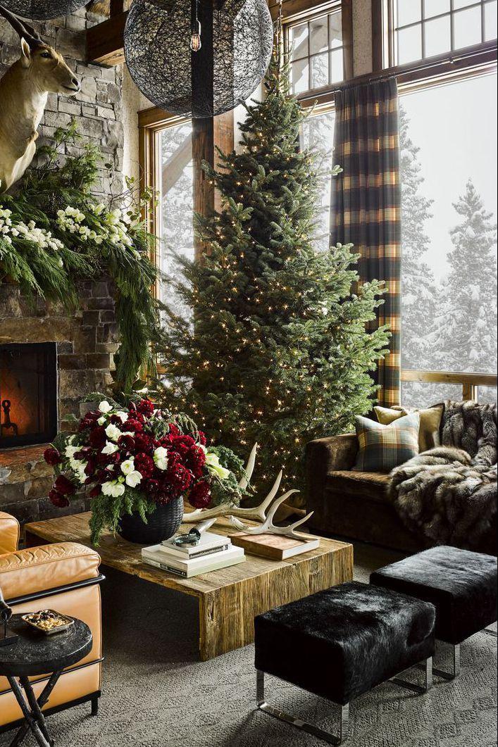 encanto rústico, salón decorado en estilo rústico, árbol navideño decorado con luces, decoración minimalista