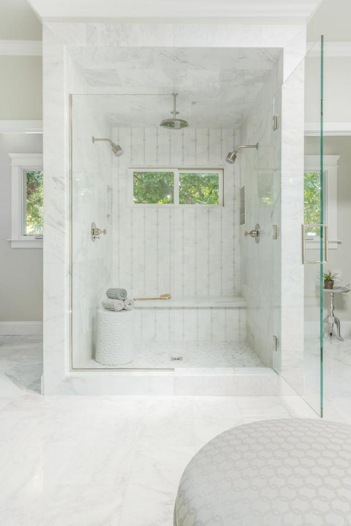 precioso baño de mármol decorado en blanco, ideas de decoración de baños 2018 2019